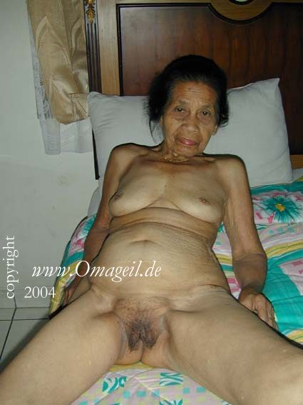 70 yo asian granny takes anal 10