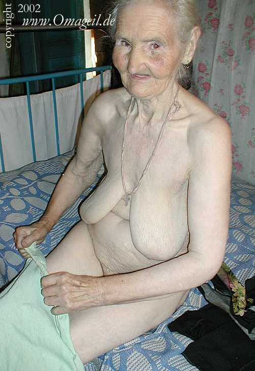 Have old wrinkly naked woman agree