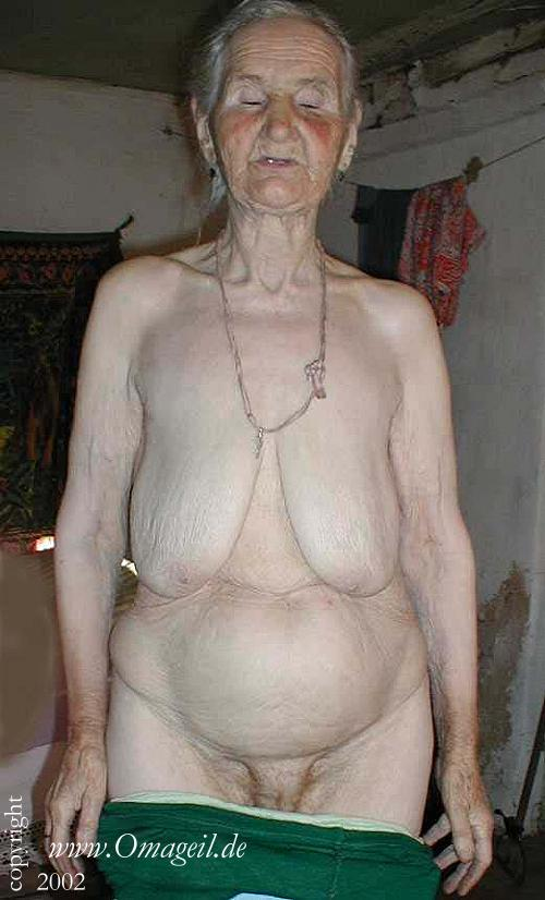 Old wrinkled fat granny pussy
