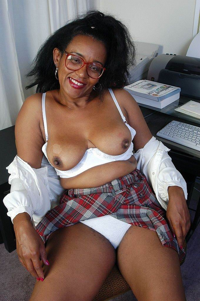 Black grannies in porn