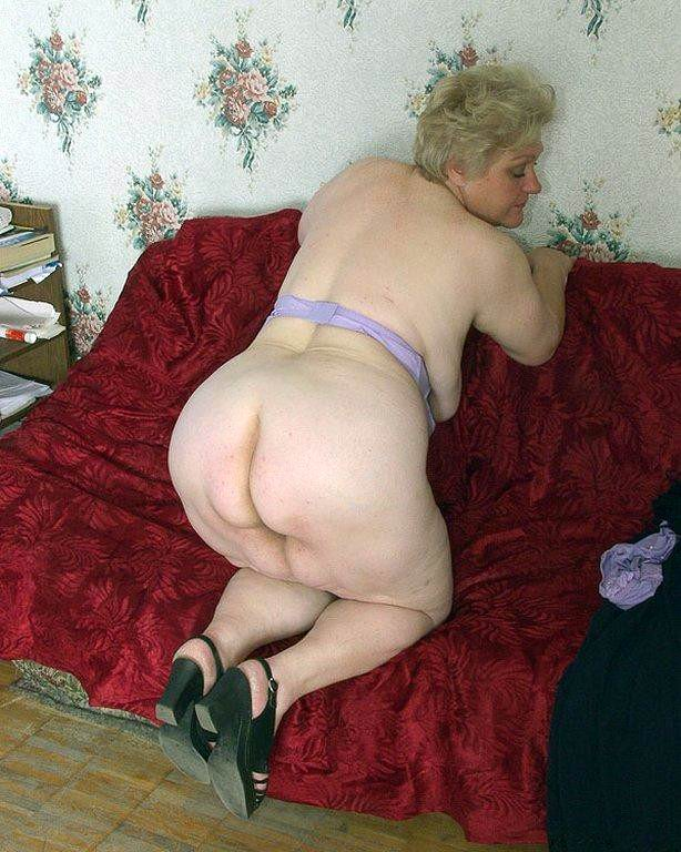 Granny Porn : featuring a hand-picked collection of mature porn.