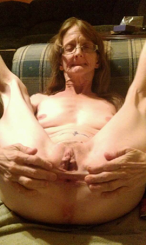 51 year old granny with leaking nipples and dripping pussy 10