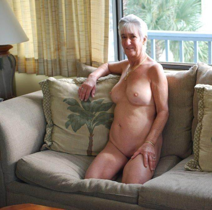 Sexy mature moms and boys tube